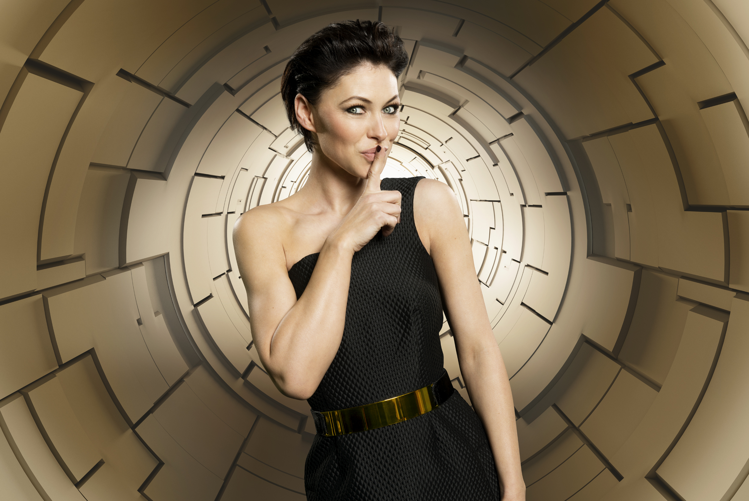 Day -7: C5 release new Emma and Rylan presenter shots